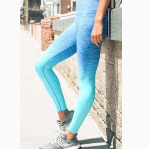 Pants - OMBRÉ Leggings. MEDIUM.